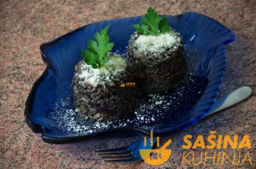 VIDEO – Crni rižoto od sipe, iz mora u tanjur