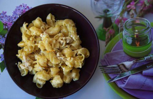 Kremasta tjestenina sa piletinom 3 minute posla – VIDEO