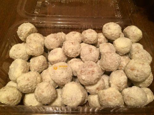 FOTO – Orah kuglice u bijeloj čokoladi sa kokosom recept