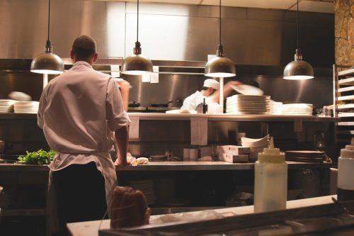 """""""Muškarci nemaju šta tražit u kuhinji"""" – Vaše priče iz kuhinje"""
