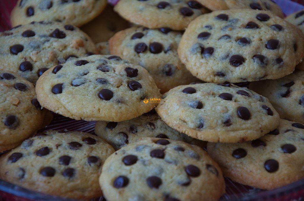 Čokoladne kapi keksi Chocolate Chip Drop Cookies