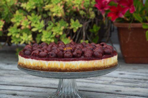 VIDEO – Cherry Compote Cheesecake & Pasta Carbonara Zucchini