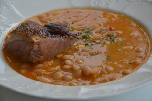 VIDEO – Grah sa Suhim Rebrima Bean Soup with Smoked Ribs