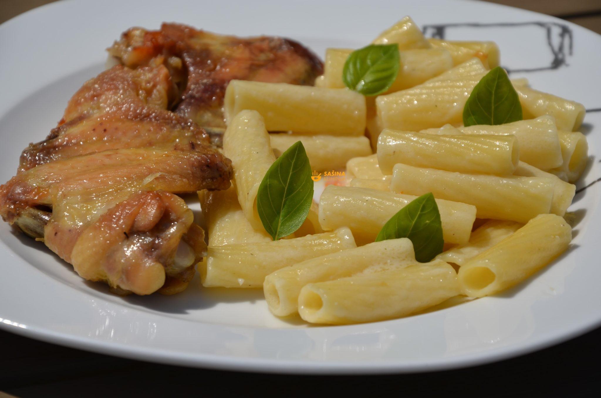 zapečena kremasta tjestenina s pilećim krilcima