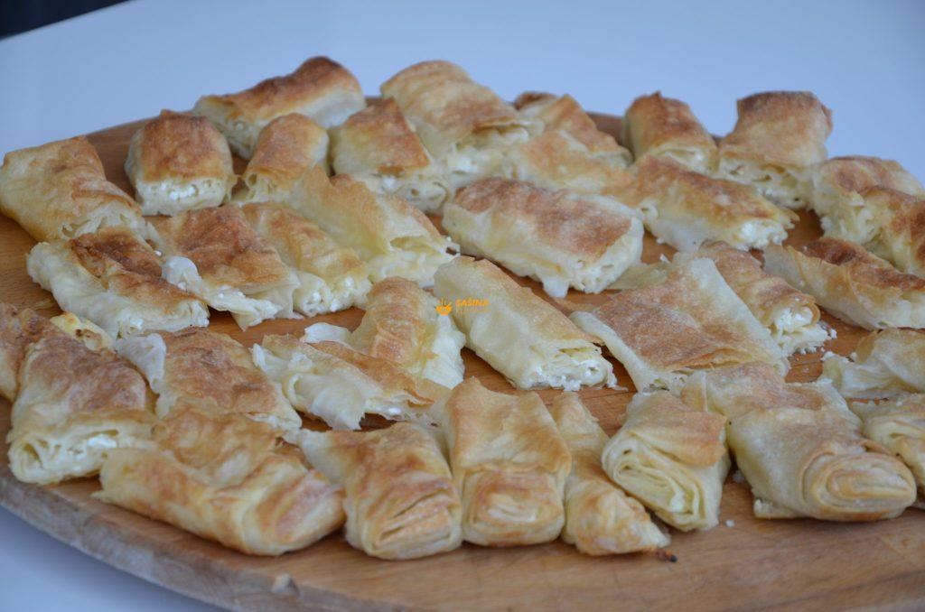 Slana pita od sira sa kupovnim korama