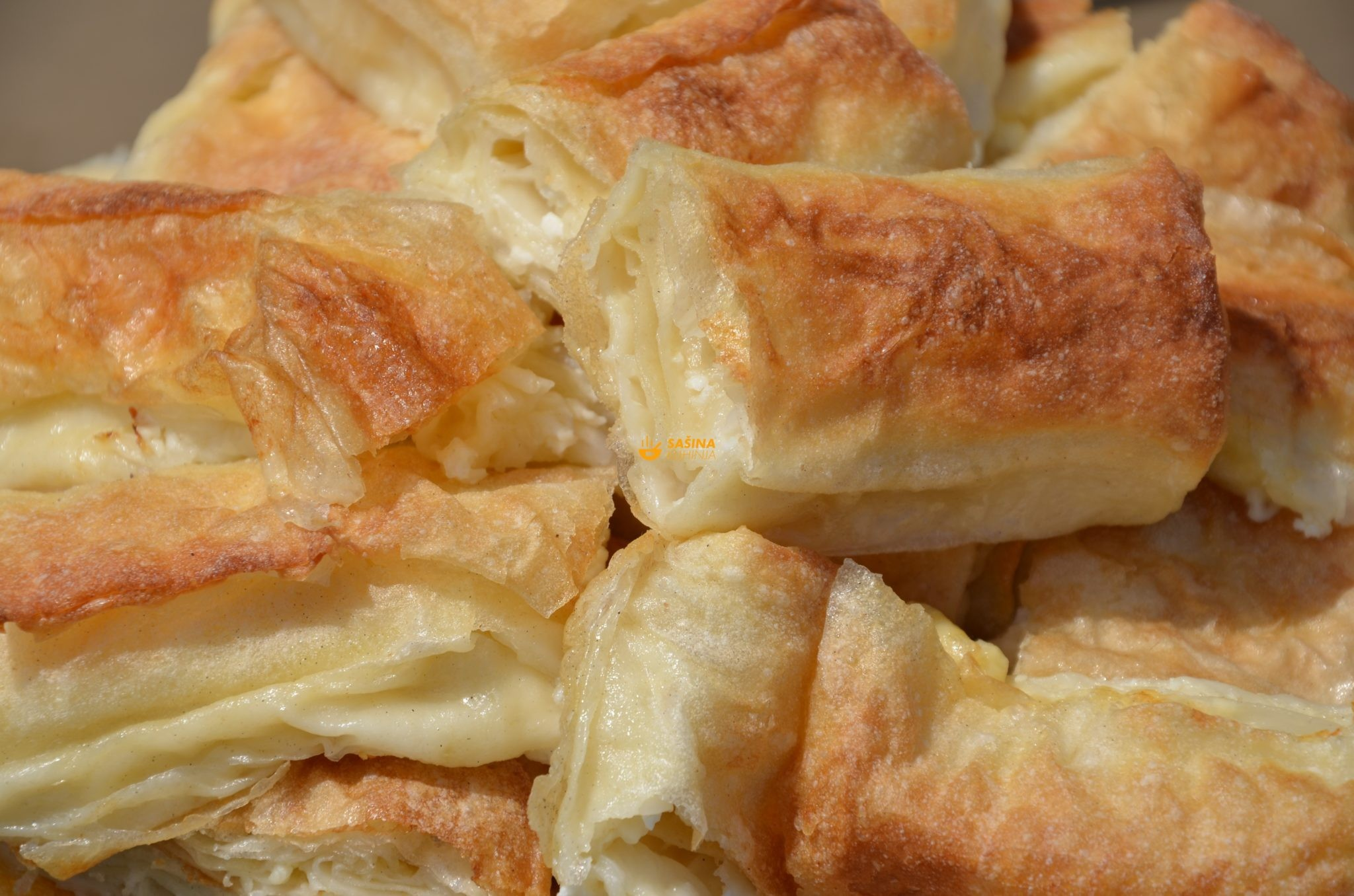 pita od sira sa kuopvnim korama