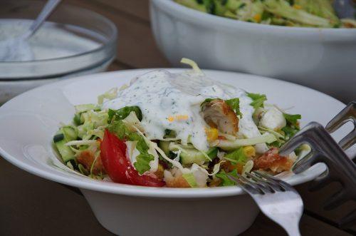 Oslić na salatu kao vrlo pristupačno glavno jelo