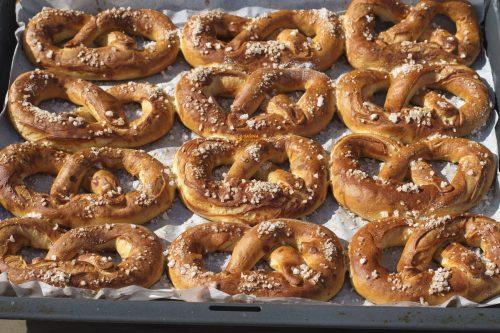 VIDEO – Bavarian Pretzels Recipe Bavarski Pereci Recept