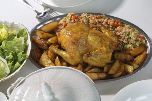 VIDEO – Pečeno pile pileća juha i prilozi Chicken Oven