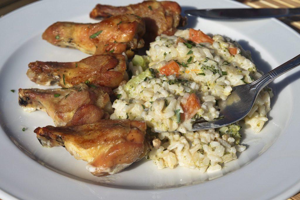 Krilni bataci i kremasta riža s brokulom