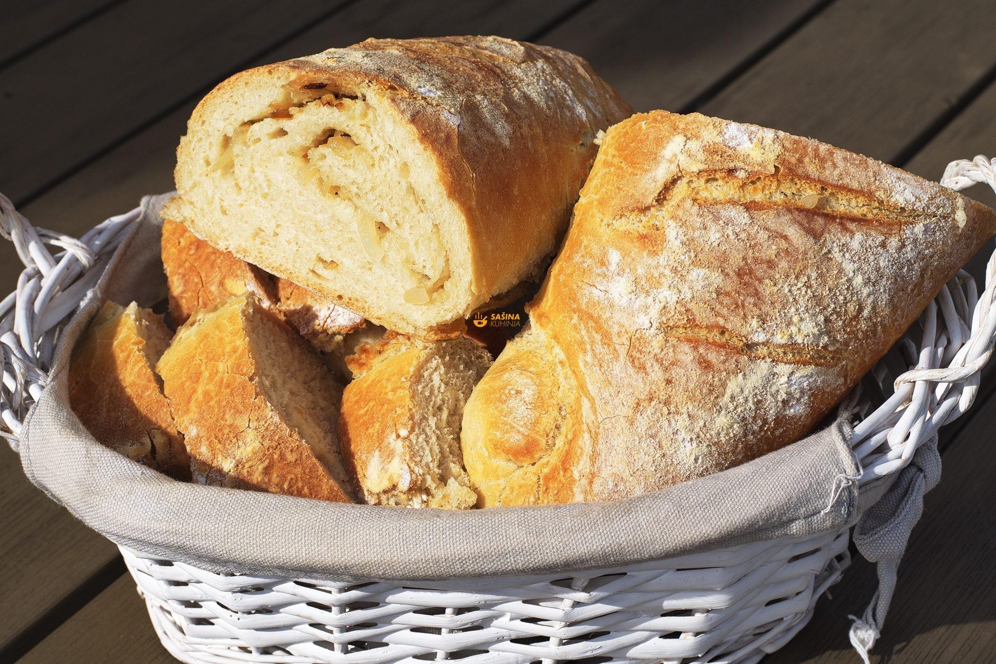 kruh sa uprženim lukom