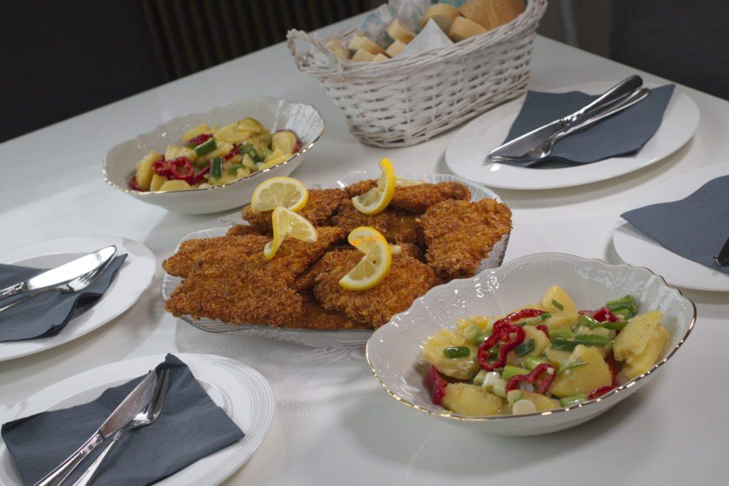 Fileti oslića u kukuruznim pahuljicama i krumpir salata