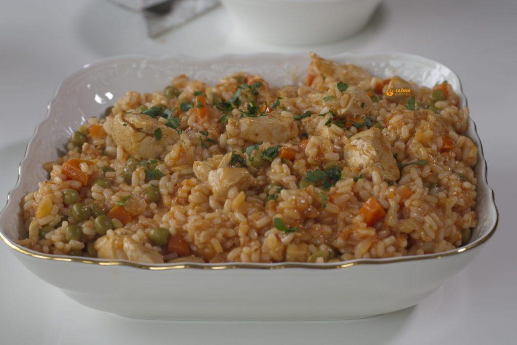 Rižoto sa piletinom i graškom na crveno recept