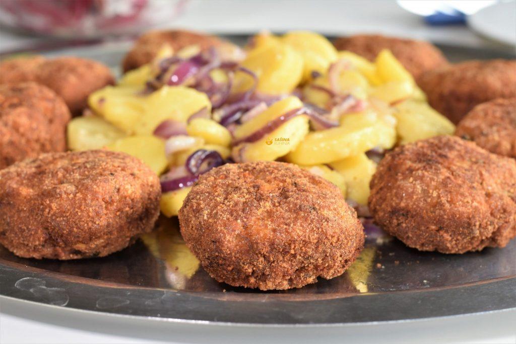 Faširanci sa šampinjonima i restani krumpir