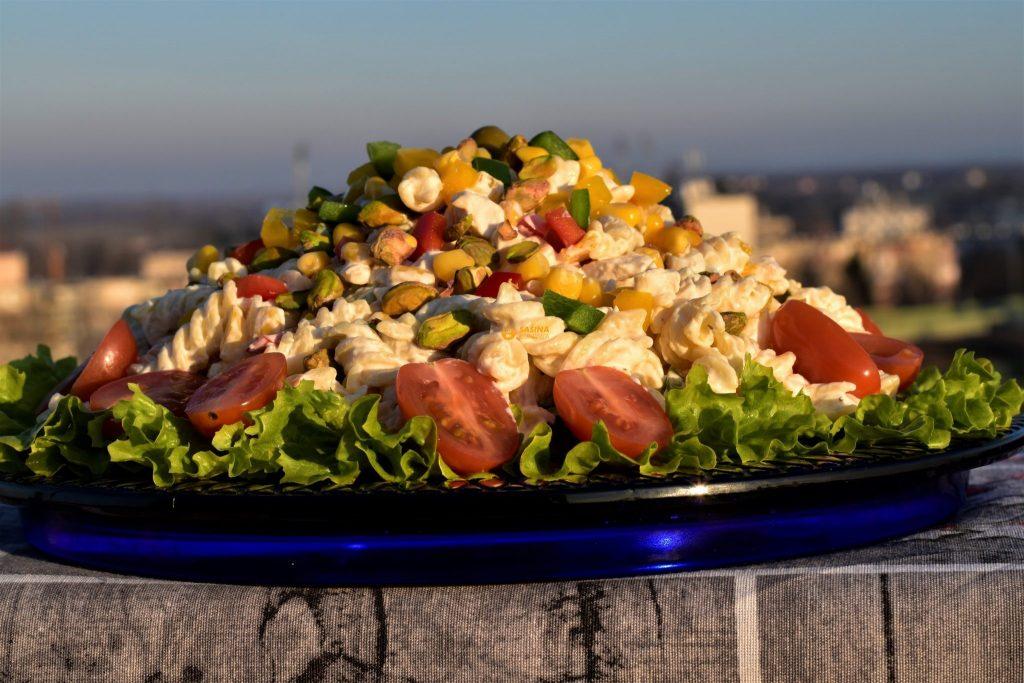 Hladna salata sa pistacijama piletinom tjesteninom