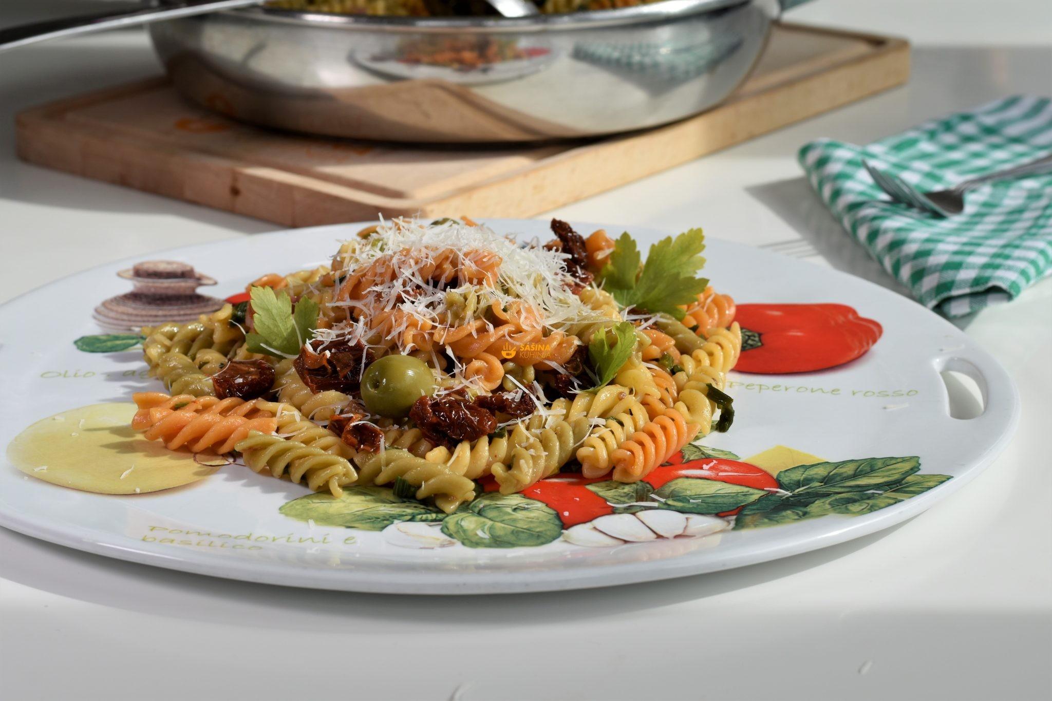 sušene rajčice tjestenina sa sušenim rajčicama