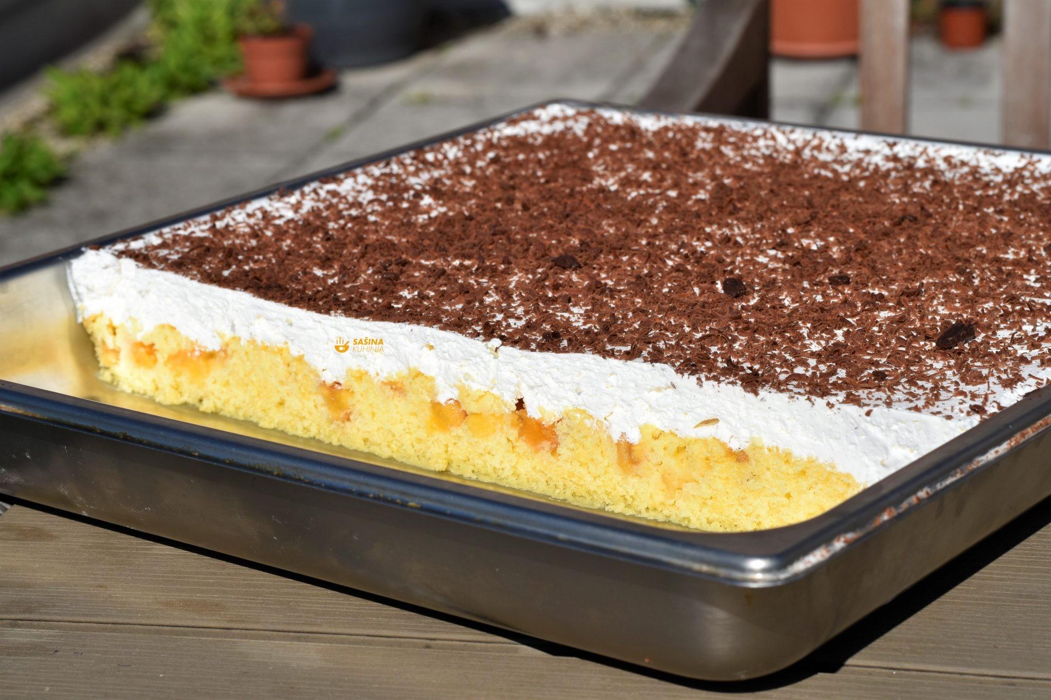 ljetni kolač sa breskvama jednostavan i osvježavajući