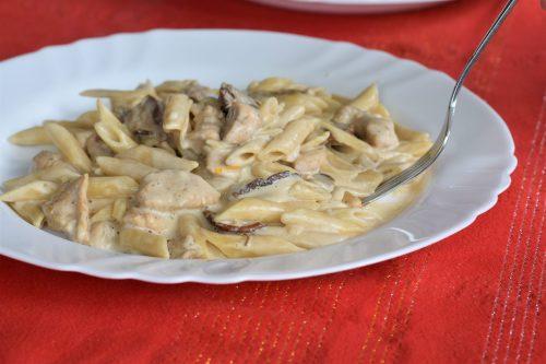 Tjestenina sa sušenim vrganjima i piletinom