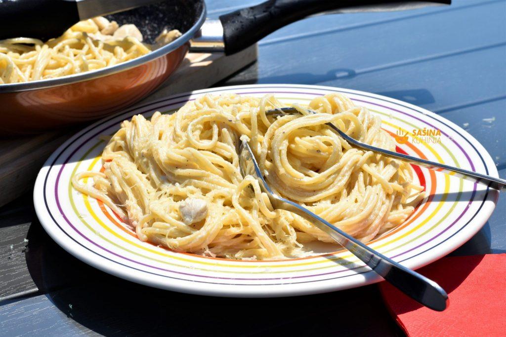 Brza tjestenina sa piletinom i mliječnim namazom