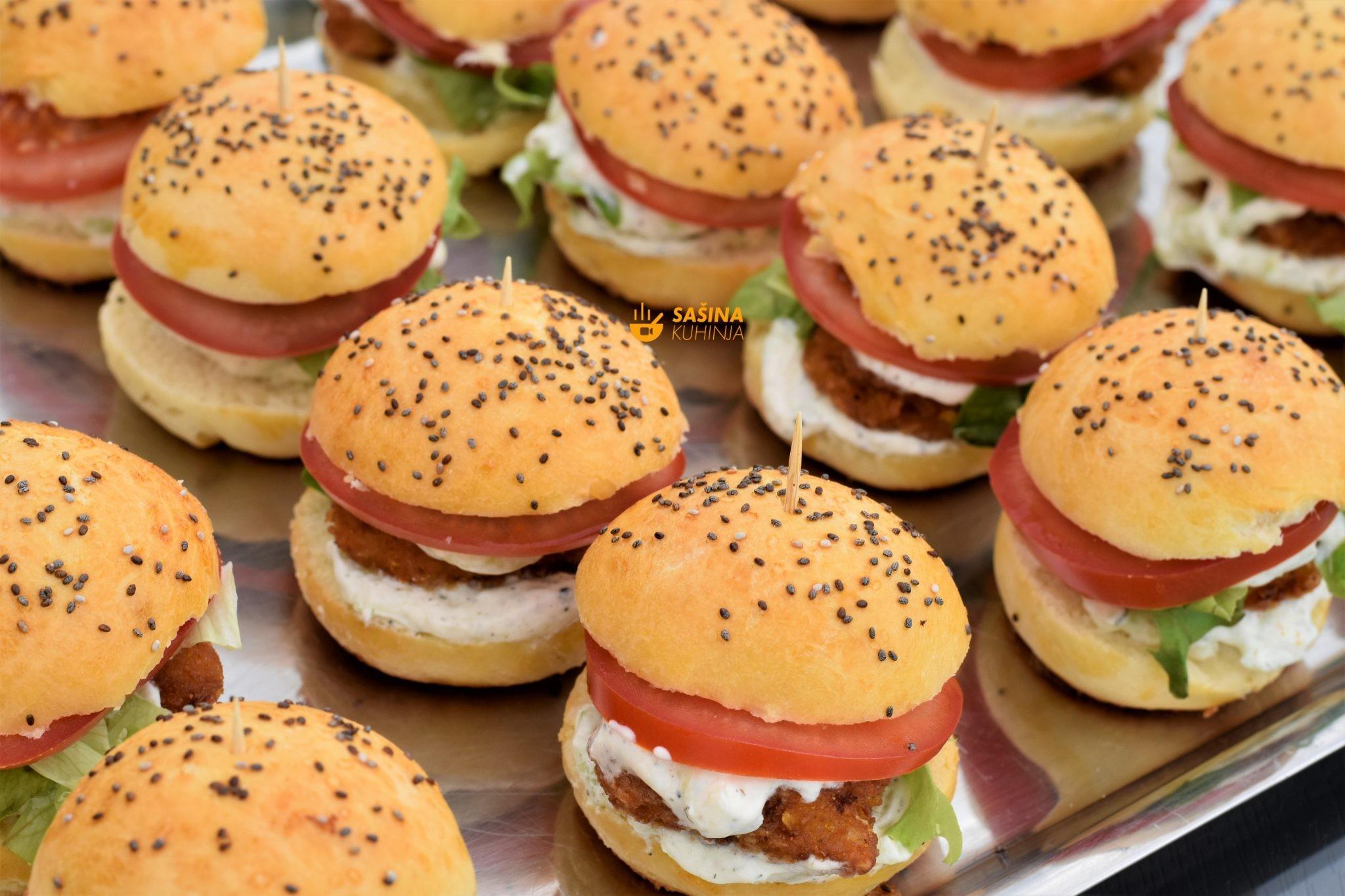 brzi grčki sendviči sa piletinom i tzatziki umak