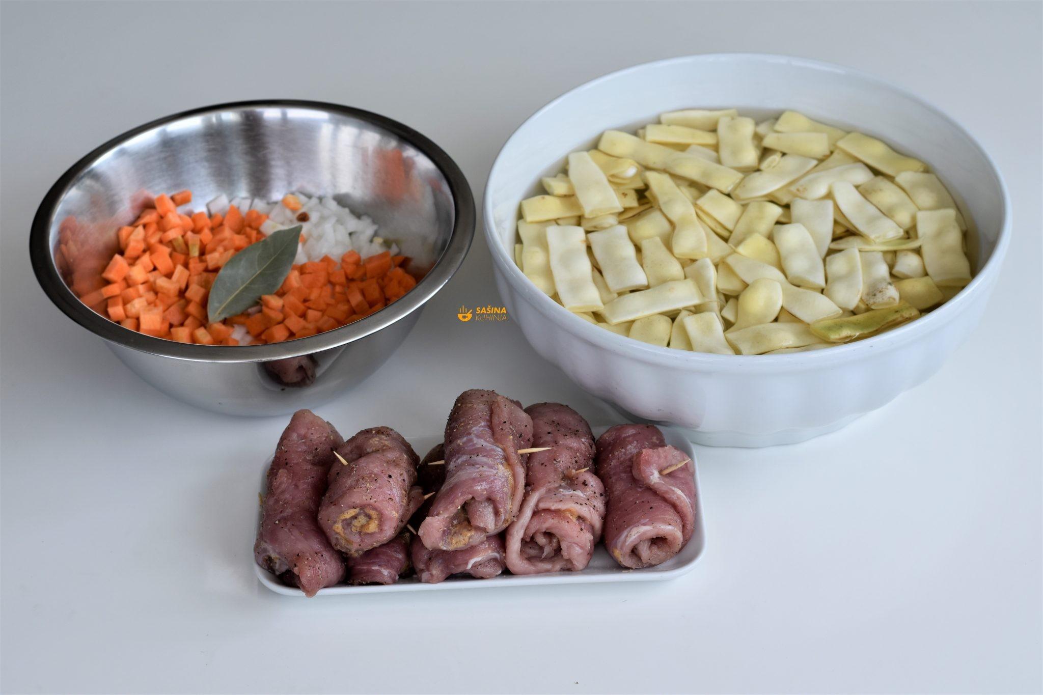 mahune na gusto i rolane šnicle sa senfom