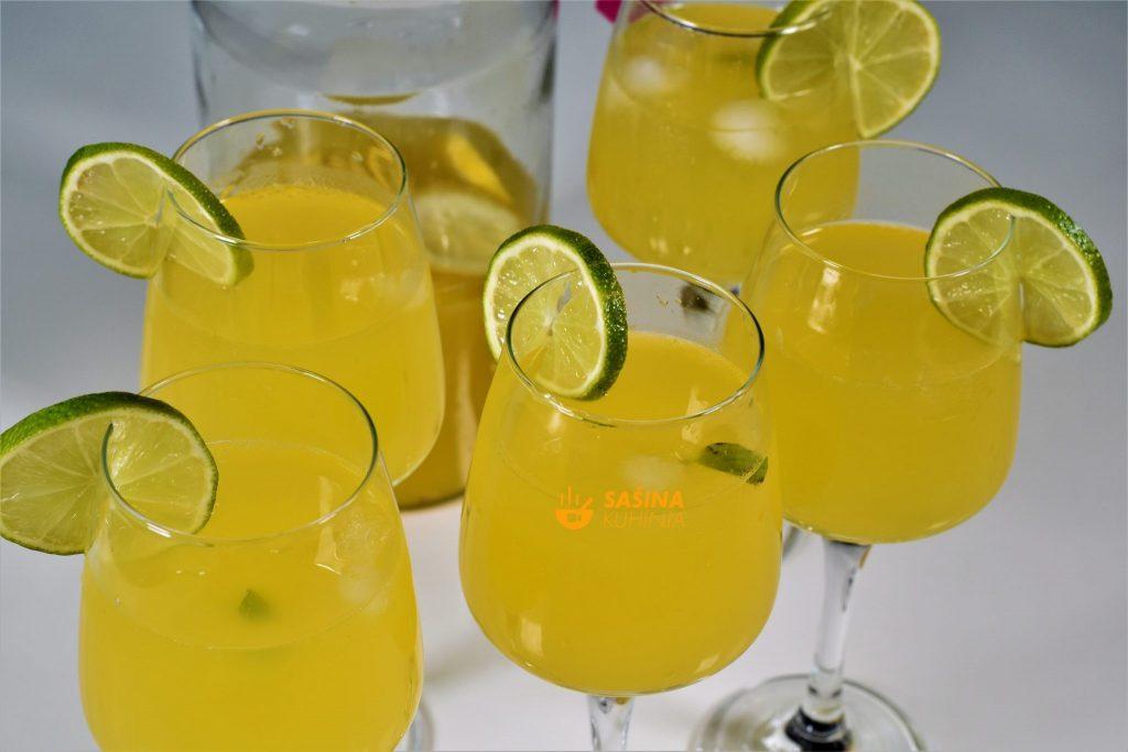 Sok od đumbira čaša puna vitamina