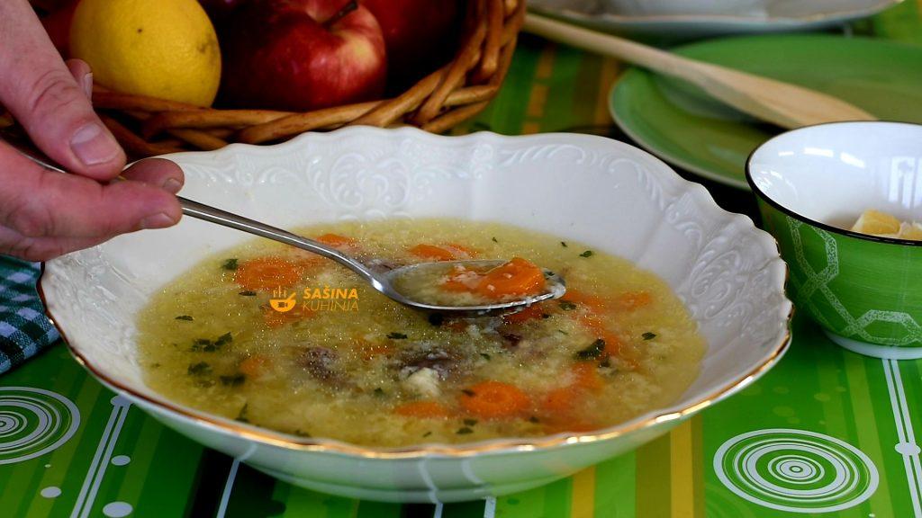 Pileća juha koja me vratila u djetinjstvo