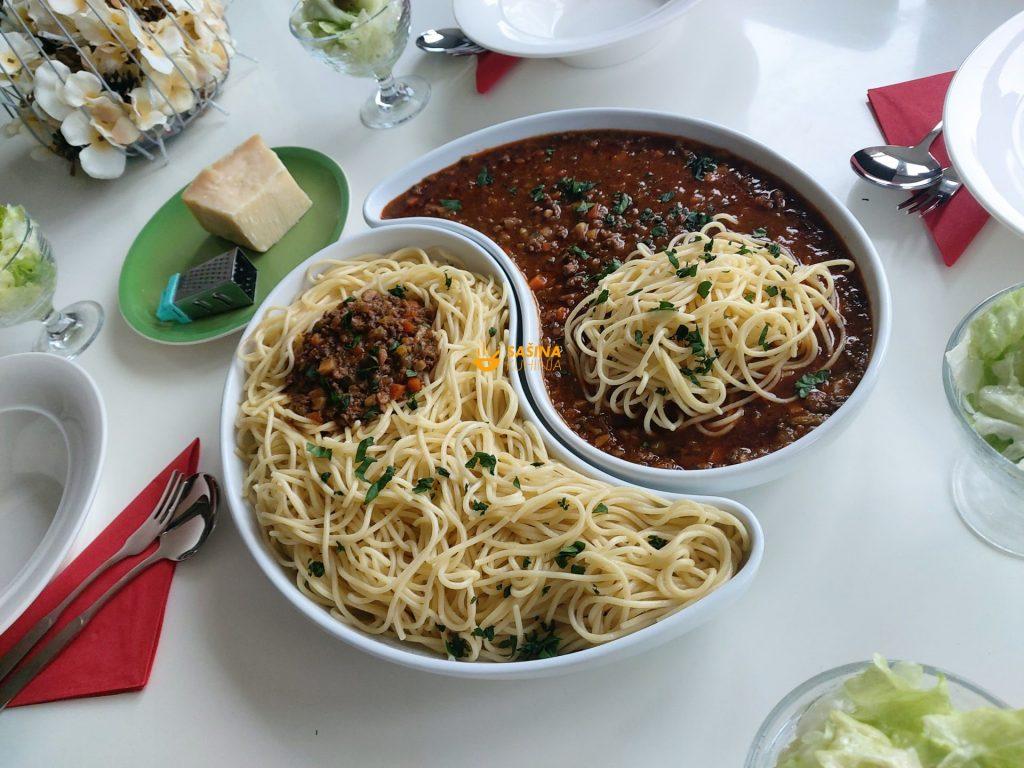 Bolonjez špageti Bolognese Spaghetti