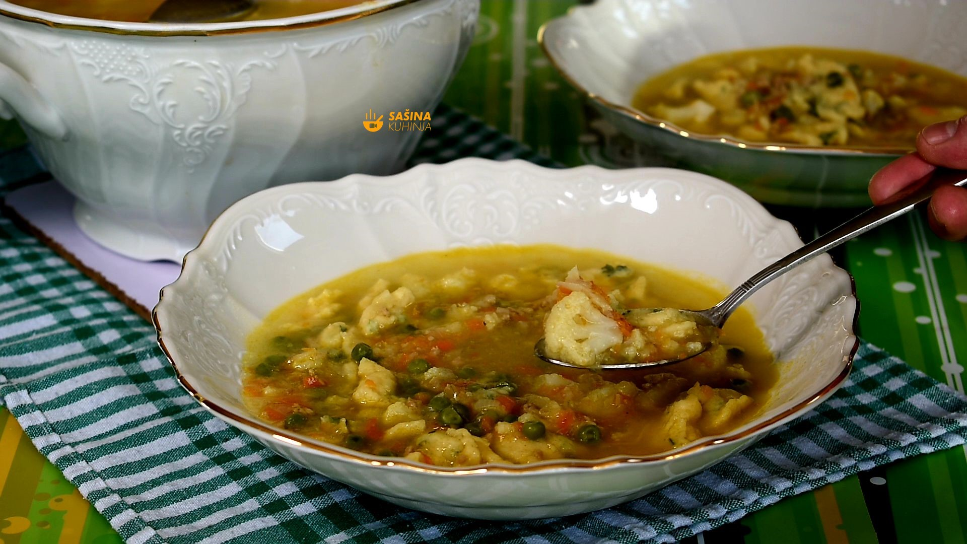 juha sa mljevenim mesom karfiolom noklicama graškom