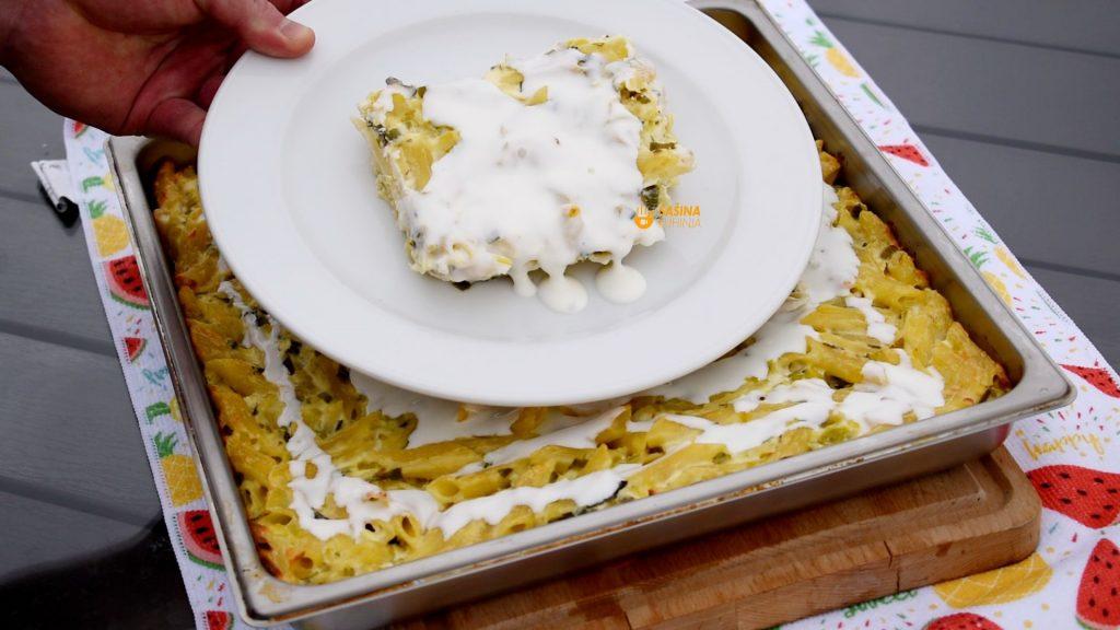 Zapečena tjestenina sa porilukom i sirom iz pećnice