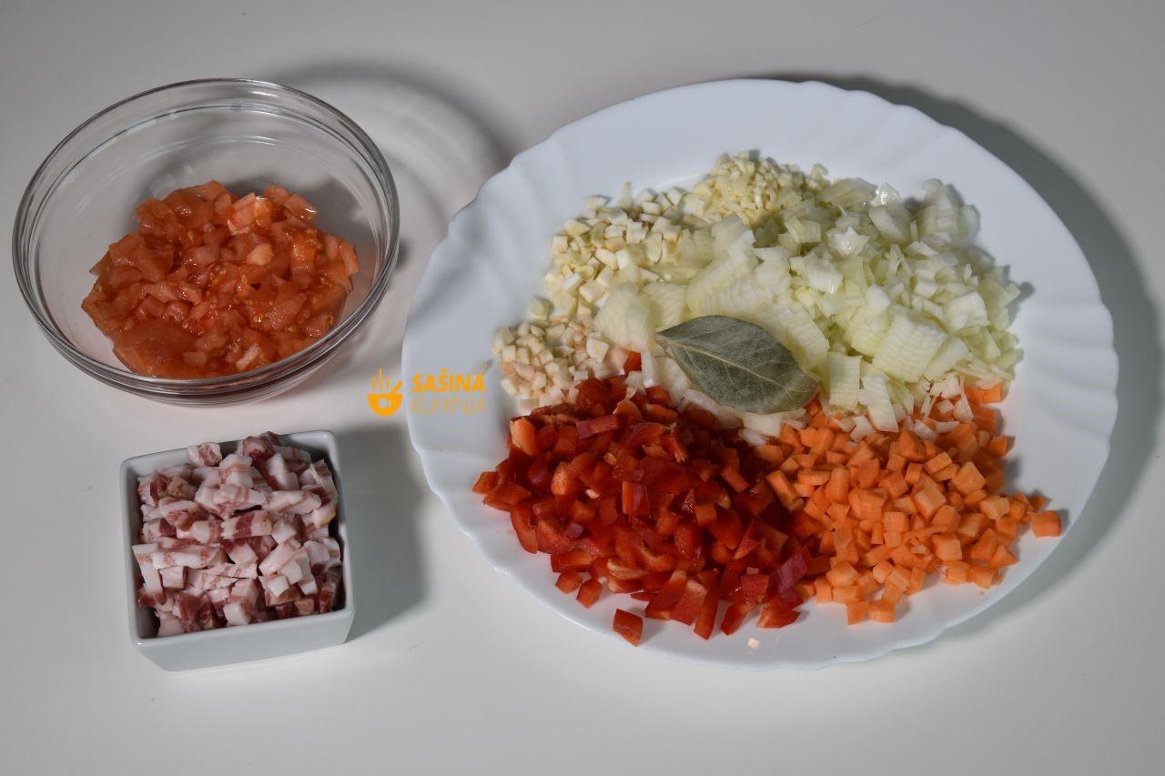 zapečeno povrće sa slaninom iz pećnice