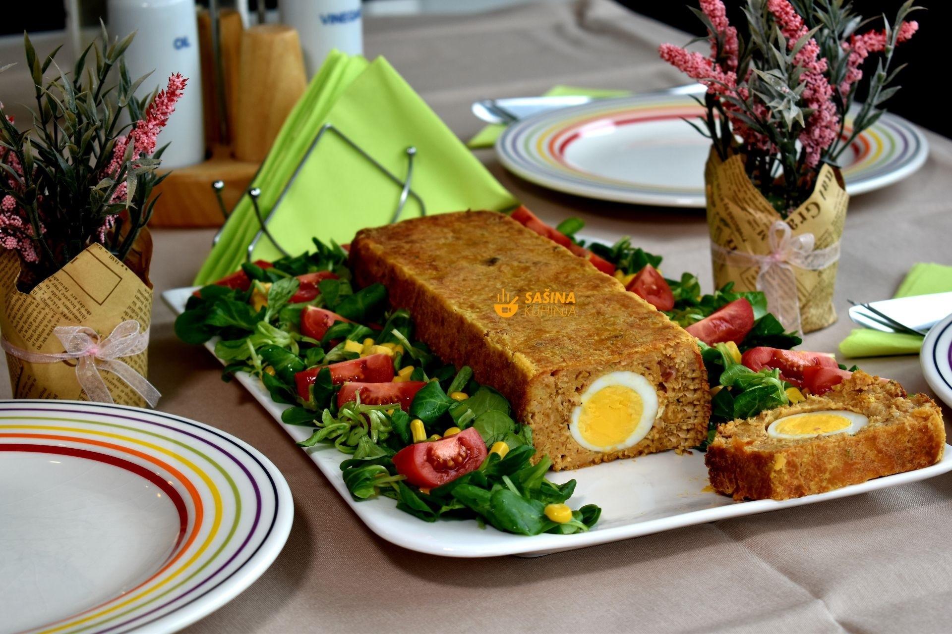 mesna štruca s jajima recept