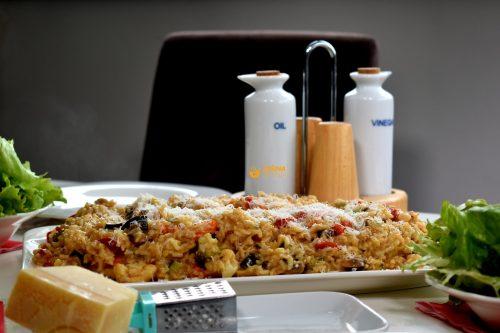 Vegetarijanski rižoto od puno povrća sa integralnom rižom